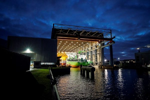 worlds-first-lng-powered-hopper-dredger-minerva-launched-2-medium